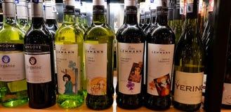 Бутылки спирта и духов Стоковые Фотографии RF