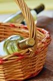 Бутылки точного итальянского белого вина Стоковое фото RF