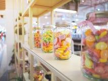 Бутылочное стекло красочной конфеты студня Стоковые Изображения RF
