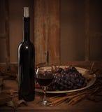 Бутылка вина с стеклом Стоковое Фото