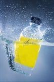 Бутылка заплывания воды Стоковое Фото