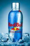 Бутылка красного питья энергии Bull Стоковые Изображения RF