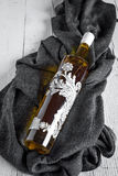 Бутылка оливкового масла на белой предпосылке Стоковая Фотография RF