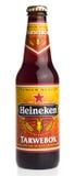 Бутылка пива крепкого темного пива Heineken голландца Стоковое фото RF