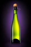 Бутылка пива, сидра или шампанского изолированных на черной предпосылке градиента Стоковое Изображение
