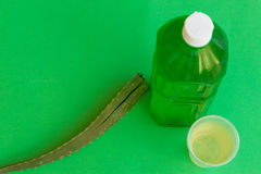 Бутылка сока алоэ освежая Стоковые Фото