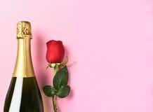 Бутылка Шампани одиночная подняла Стоковое Изображение
