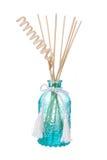 Бутылка freshener голубого воздуха с надушенными ручками стоковые изображения