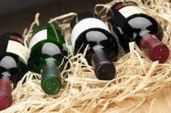 Бутылки вина в соломе Стоковое фото RF