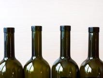 Бутылки вина на таблице Стоковое фото RF