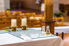 Бутылки воды и вина для святой массы Стоковая Фотография