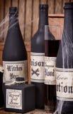 Бутылки зелья на деревянных клетях Стоковая Фотография RF