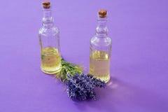 2 бутылки масла с лавандой Стоковая Фотография