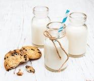 Бутылки молока и печений Стоковое Фото