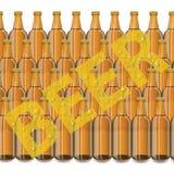 бутылки пива предпосылки красят нежный померанцовый сфотографированный желтый цвет студии Стоковое Изображение RF