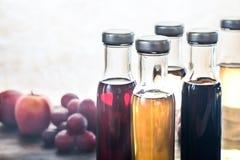 Бутылки с различными видами уксуса Стоковые Изображения RF