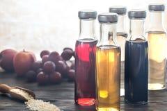 Бутылки с различными видами уксуса Стоковое Изображение RF