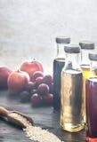Бутылки с различными видами уксуса Стоковое Фото
