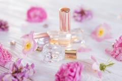 Бутылки дух с цветками Стоковое Изображение RF