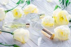 Бутылки дух с цветками eustoma Стоковое фото RF
