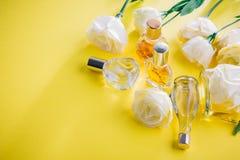 Бутылки дух с цветками eustoma Стоковая Фотография RF