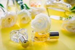 Бутылки дух с цветками eustoma Стоковые Фотографии RF