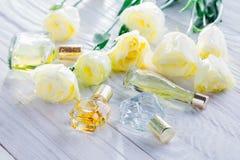 Бутылки дух с цветками eustoma Стоковое Изображение