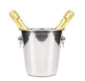 2 бутылки шампанского в охладителе. Стоковое фото RF