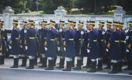 БУХАРЕСТ, РУМЫНИЯ, 1-ОЕ ДЕКАБРЯ: Военный парад на национальный праздник Румынии, Триумфальной Арки, 1-ое декабря 2013 в Бухаресте Стоковая Фотография