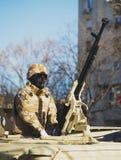 БУХАРЕСТ, РУМЫНИЯ, 1-ОЕ ДЕКАБРЯ: Военный парад на национальный праздник Румынии, Триумфальной Арки, 1-ое декабря 2013 в Бухаресте Стоковое фото RF