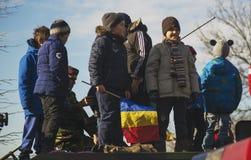 БУХАРЕСТ, РУМЫНИЯ, 1-ОЕ ДЕКАБРЯ: Военный парад на национальный праздник Румынии, Триумфальной Арки, 1-ое декабря 2013 в Бухаресте Стоковое Фото