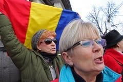 Бухарест, Румыния - протест против президента Klaus Iohannis Стоковые Фотографии RF