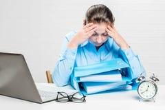 Бухгалтер женщины работает с документами Стоковая Фотография RF