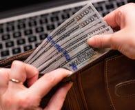 Бухгалтер женщины с деньгами Стоковое фото RF