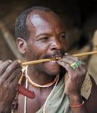 Бушмен Hazabe племени hadza в традиционных вышитых бисером ювелирных изделиях Стоковые Изображения