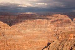 Бушуйте идти сломать над национальным парком гранд-каньона Стоковая Фотография RF
