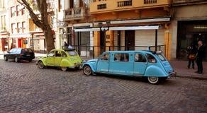 Буэнос-Айрес, район Сан Telmo - путешествия в винтажных автомобилях стоковая фотография rf