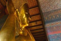 Будда, большой золотой возлежа Будда Wat Phra Chetuphon по месту известное как Wat Pho Стоковые Фото