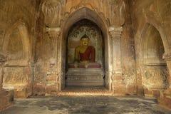 Будда в виске Bagan Стоковое Фото