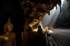 Будда в пещере Стоковая Фотография RF