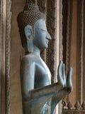 Будда в древнем храме в Вьентьян Стоковые Изображения RF