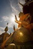 Будда в Таиланде и солнечном свете Стоковые Фотографии RF