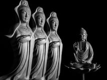 Будда и бодхисаттва/Guan Yin/Guanshiyin Avalokitasvara скульптура Стоковая Фотография RF
