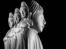 Будда и бодхисаттва/Guan Yin/Guanshiyin Avalokitasvara скульптура Стоковое Изображение
