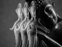 Будда и бодхисаттва/Guan Yin/Guanshiyin Avalokitasvara скульптура Стоковые Изображения RF
