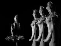 Будда и бодхисаттва/Guan Yin/Guanshiyin Avalokitasvara скульптура Стоковые Фото