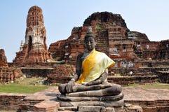 Будда и древние храмы в Ayutthaya Стоковая Фотография