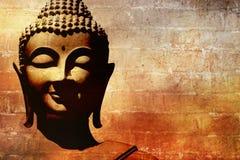 Будда смотрит на предпосылку Стоковое Изображение RF
