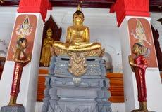 Будда Wat Phra Mahathat Woramahawihan Стоковые Изображения RF