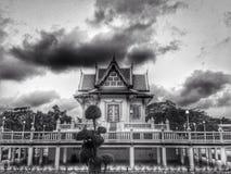 буддийская зала в черно-белом Стоковая Фотография